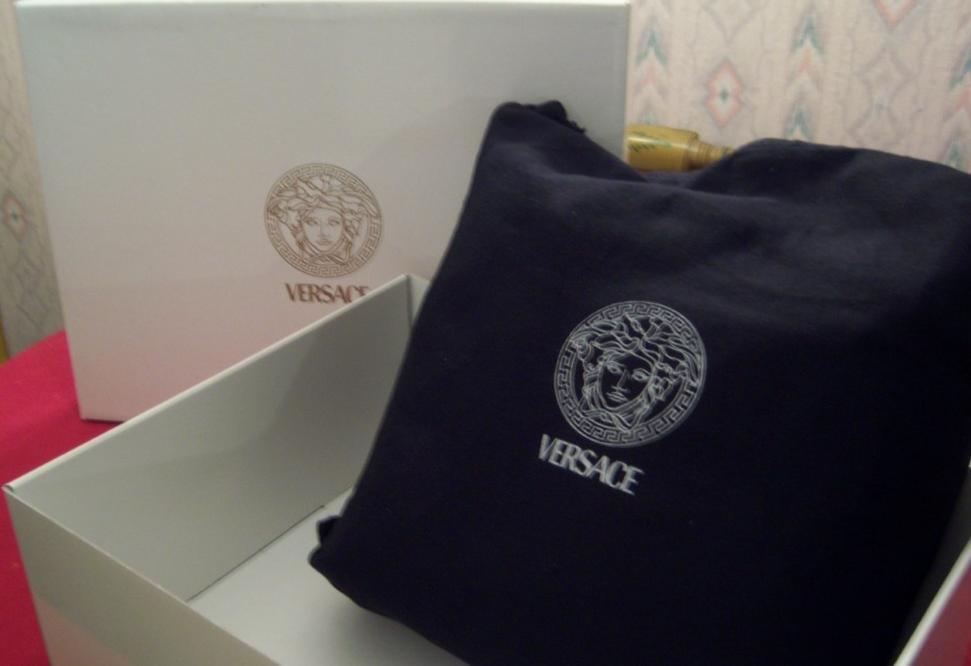 a7179487b6 Spotting Fake Handbags   Real or Phony?